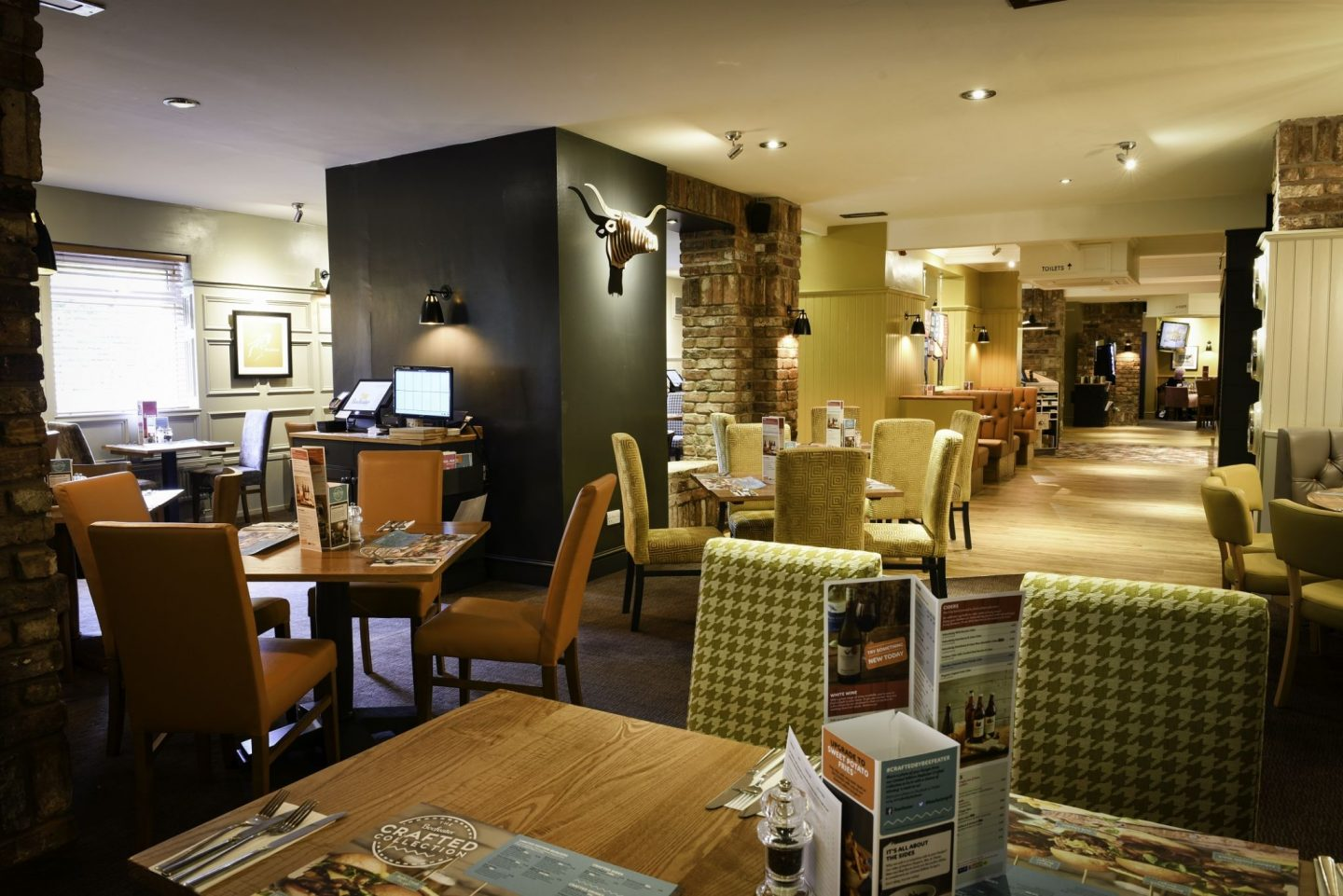 Beefeater-Springwood-Park-Interior-Macclesfield-Cheshire-Food-Blogger-Yeah-Lifestyle
