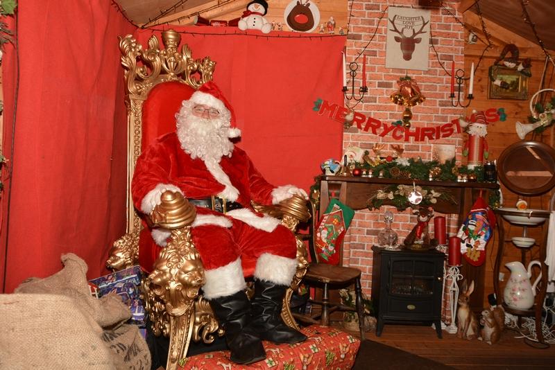 Lower-Drayton-Farm-Christmas-Meet-Santa-Yeah-Lifestyle-Review