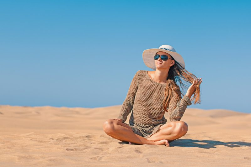 Embracing-Travel-Bug-Without-Throwing-Up--Yeah-Lifestyle-sun-hat-woman