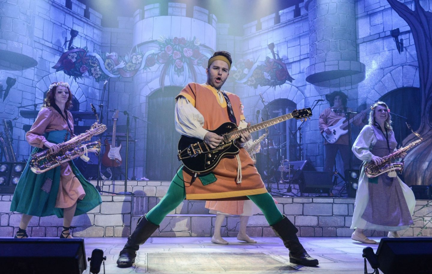 Robin Hood and the Babes in the Wood Panto at the Stafford Gatehouse Theatre *