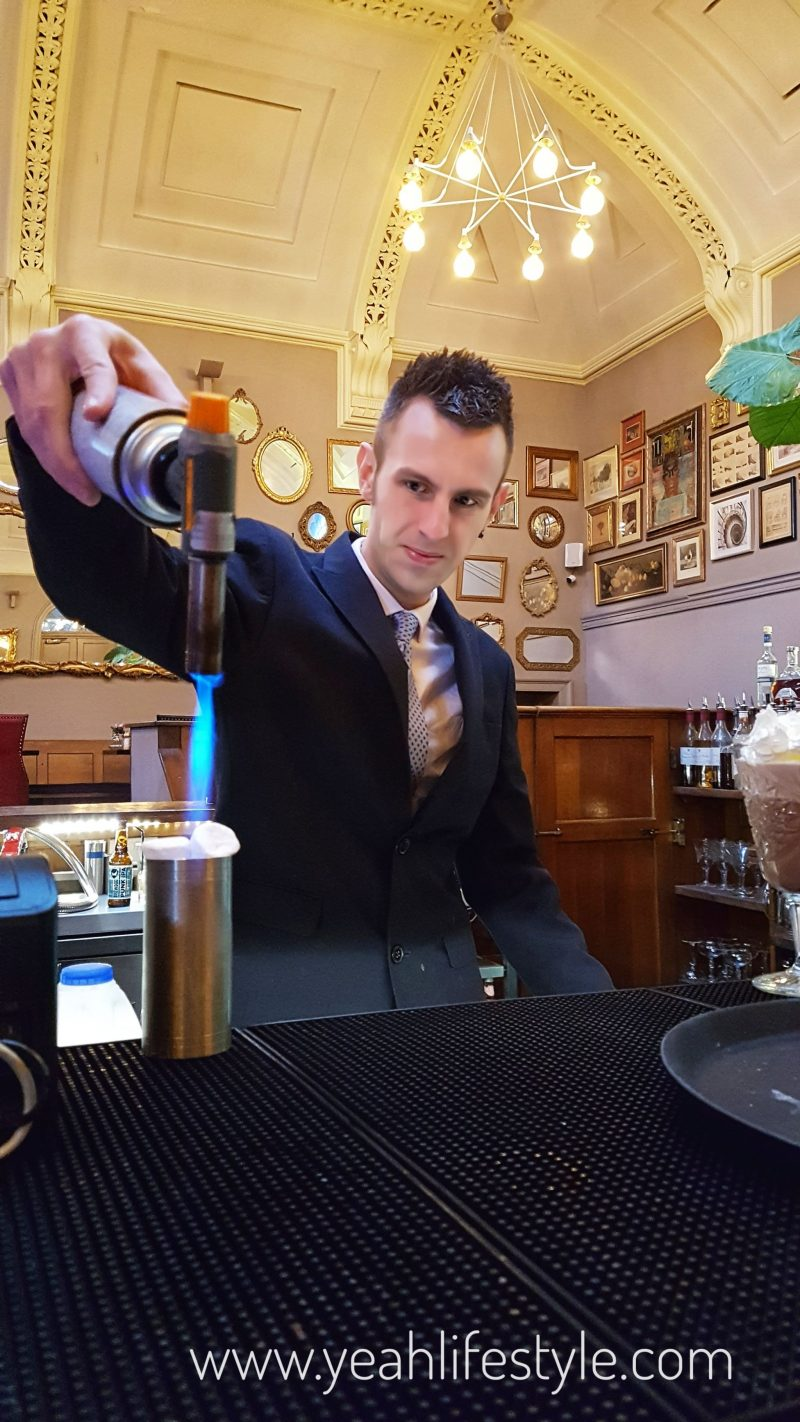Courthouse-Barristers-Restaurant-Knutsford-Cheshire-Blogger-Celebrity-UK-Ben-Bar