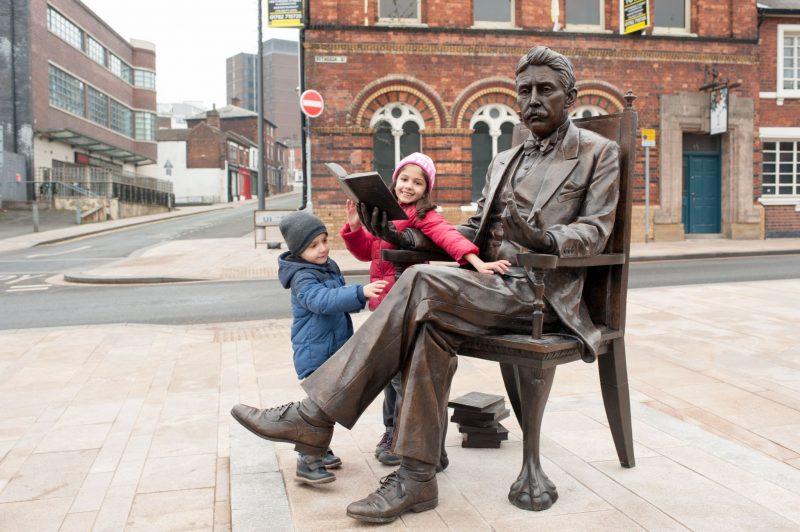 Hanley-Museum-Kids-Activity-Stokeontrent-Staffordshire-Blogger-Travel-Hanley