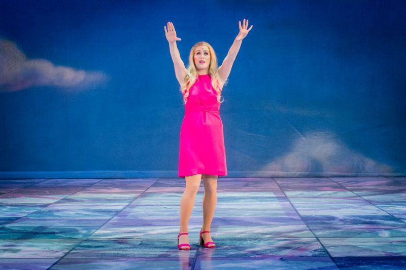 Legally-Blonde-The-Musical-Regent-Theatre-Blogger-Review-Lucie-Jones-Elle