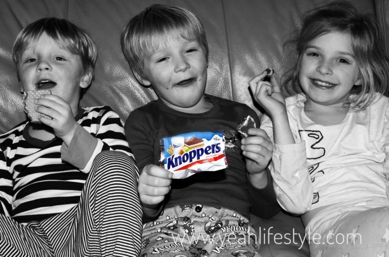 Knoppers-Chocolate-Wafer-Bar-Food-Review-Blogger-Kids-Enjoying