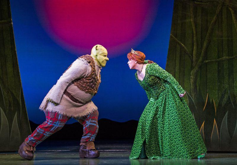Steffan-Harri-Amelia-Lily-Shrek-the-Musical-UK-Regent-Theatre-Tristram-Kent-Stand-Off