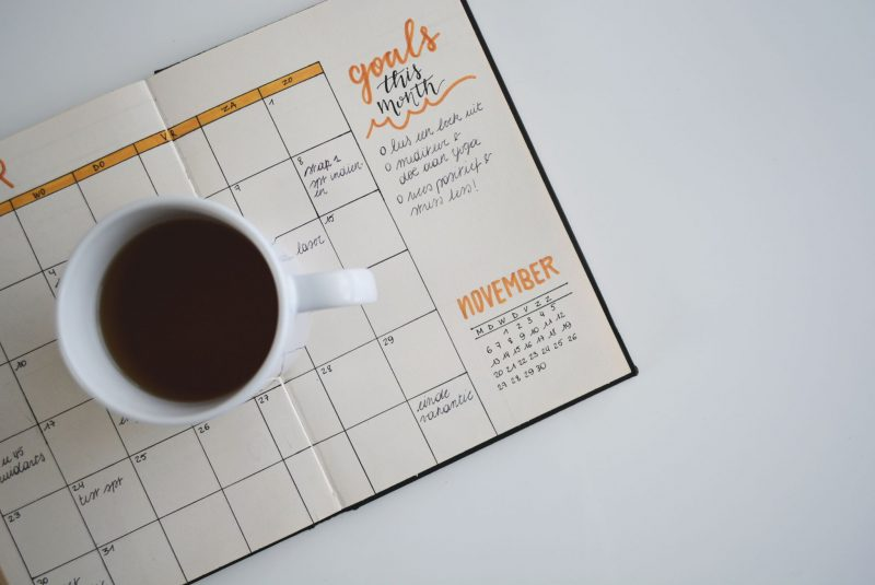 Top-Tips-for-Sticking-to-Goals-cup-calendar