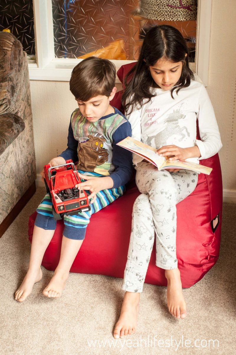 Bean-Bag-Red-Indoor-Outdoor-Teacher-Boards-Kids-Reading (1)-01