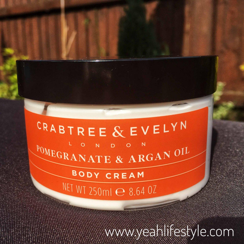 crabtree-evelyn-beauty-blogger-pomegranate-argan-oil-lotion