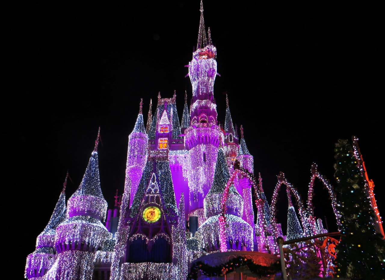 3-Magical-Holidays-Your-Family-Wont-Forget-sky-disney