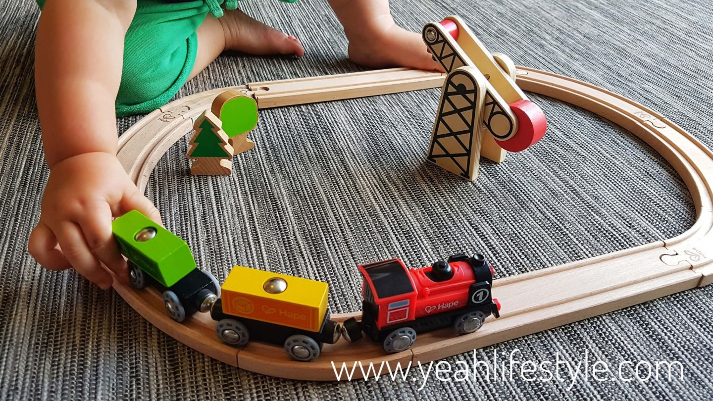 Hape Battery Powered Engine Train Set and Pepe Pull Along Toy Review *