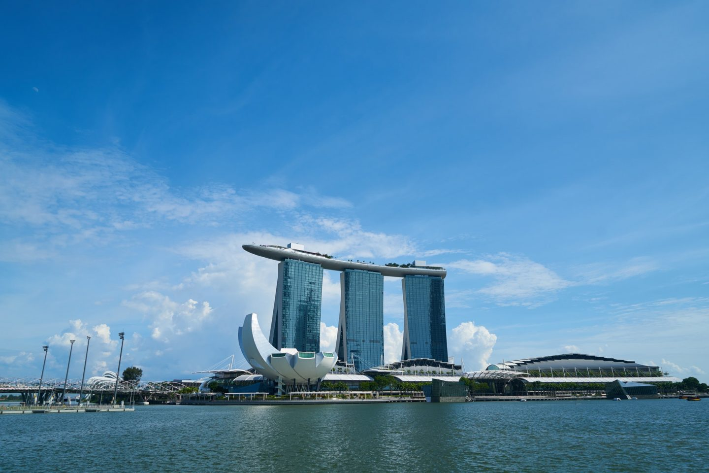 Heres-What-You-Need-to-Pack-when-on-a-Trip-to-Singapore-marina-bay