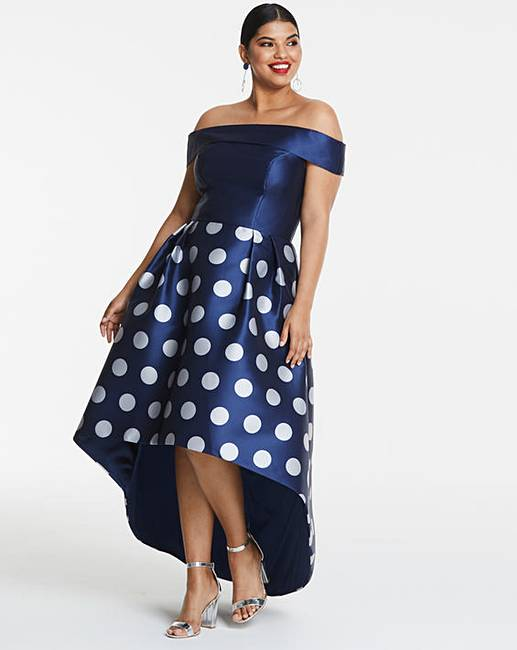 Our Top Five Maxi Dresses For Curvy Women **