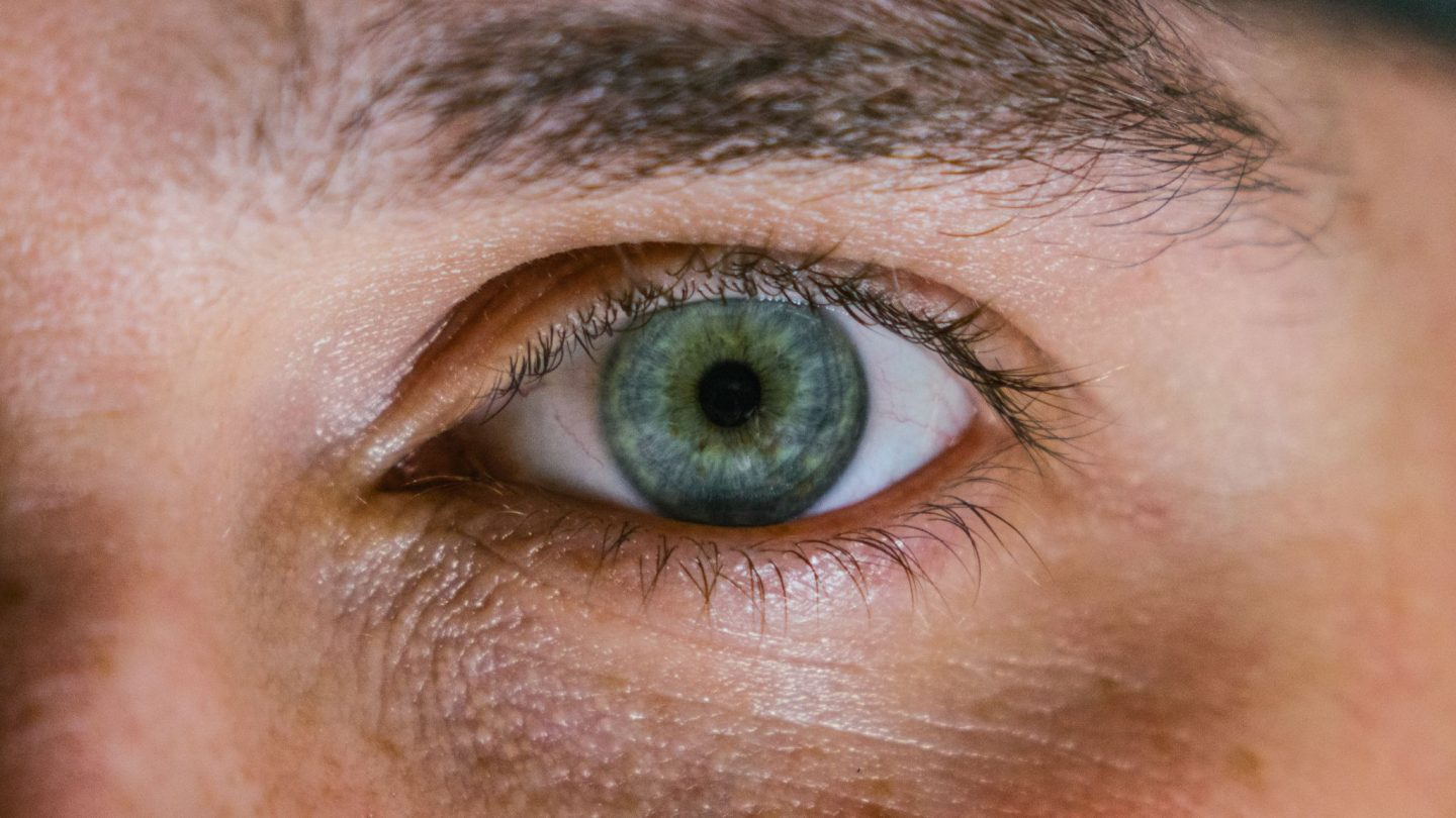 Tips-on-eye-care-caring-for-glasses-and-contact -lenses