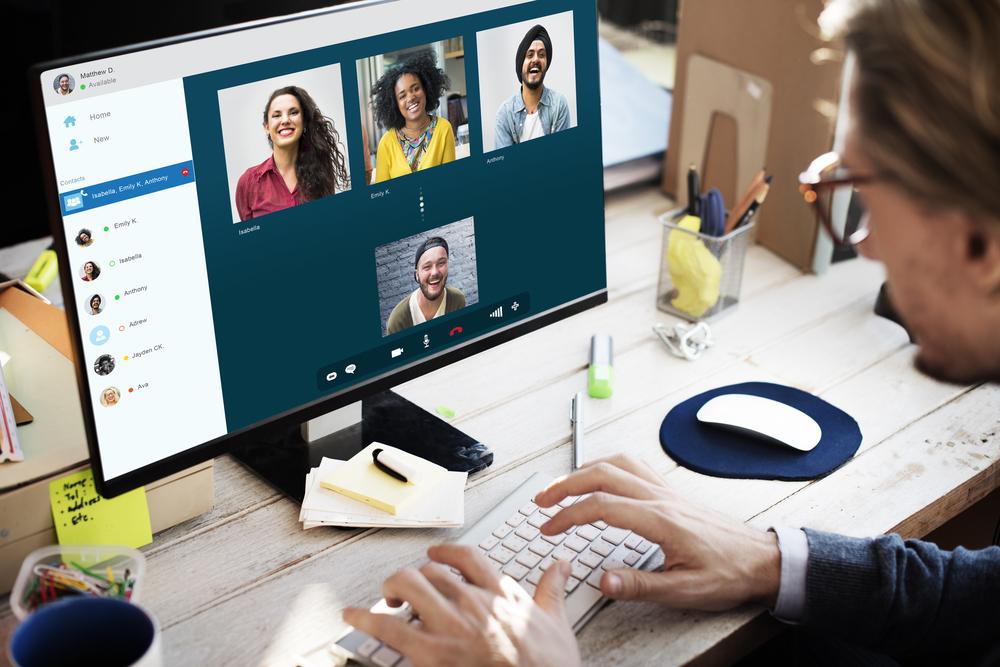 Making-Time-Social-Needs-Full-Time-Blogger-Laptop