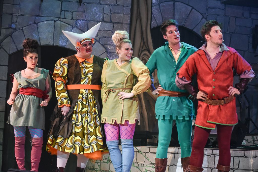 Rock-n-roll-panto-Dick-Whittington-Stafford-Gatehouse-Theatre-christmas-actors