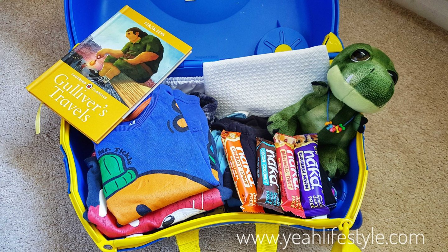Trunki-Police-Kids-UK-Travel-Blogger-Bag-Review-Luggage-Packing