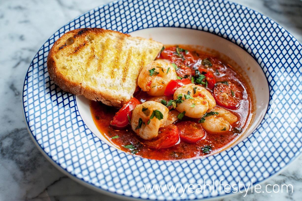 carluccios-chester-cheshire-food-review-blogger-uk-italian-restaurant-prawns-marinara-starter
