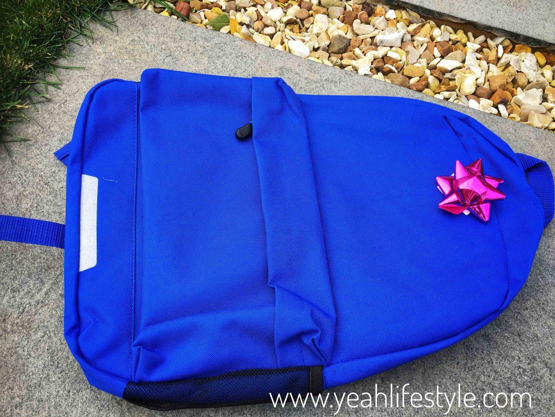 December-Christmas-Blogger-Gift-Guide-Teens-Blue-Bag