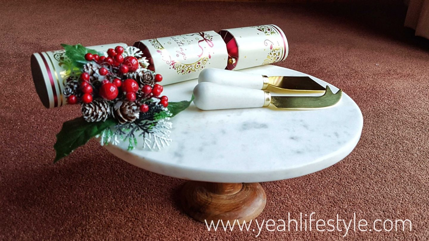 christmas-gift-guide-for-her-chocolates-candles-moccis-marble-cake-stand-cheese-knife-festive