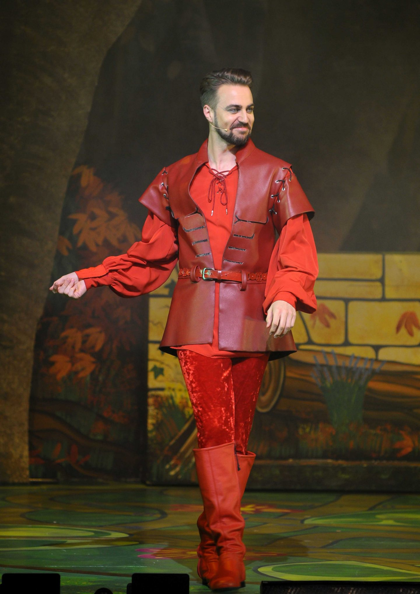 robin-hood-pantoregent-theatre-stoke-on-trent-blogger-press-night-review-character