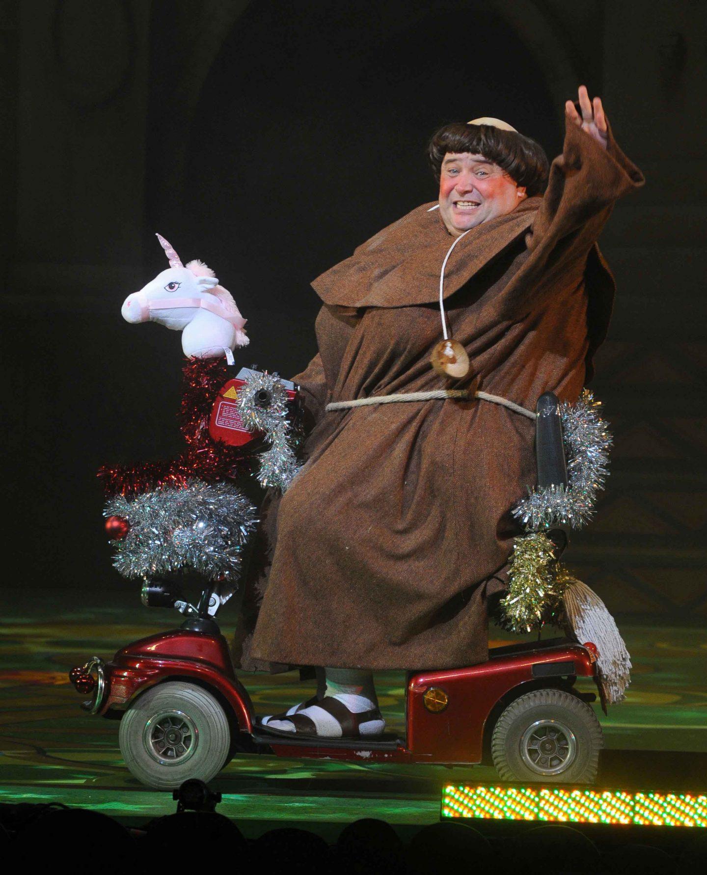 robin-hood-pantoregent-theatre-stoke-on-trent-blogger-press-night-review-christian